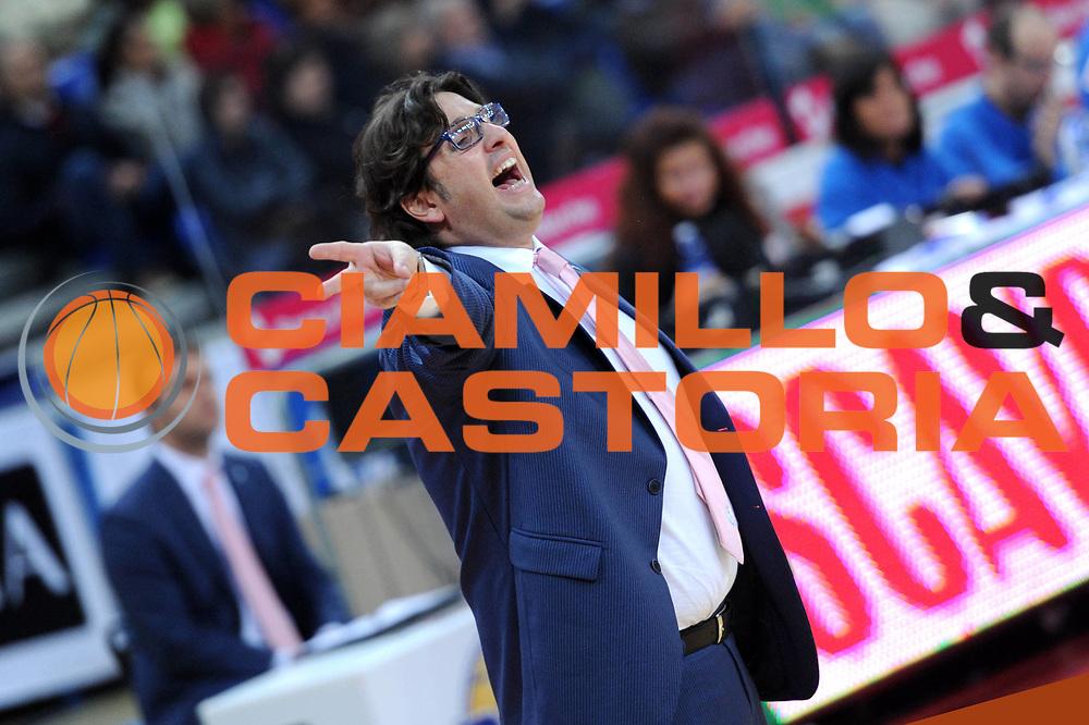 DESCRIZIONE : Pesaro Lega A 2012-13 Scavolini Banca Marche Pesaro Chebolletta Cantu<br /> GIOCATORE : Andrea Trinchieri<br /> CATEGORIA : schema coach<br /> SQUADRA : Chebolletta Cantu<br /> EVENTO : Campionato Lega A 2012-2013 <br /> GARA : Scavolini Banca Marche Pesaro Chebolletta Cantu<br /> DATA : 18/11/2012<br /> SPORT : Pallacanestro <br /> AUTORE : Agenzia Ciamillo-Castoria/C.De Massis<br /> Galleria : Lega Basket A 2012-2013  <br /> Fotonotizia : Pesaro Lega A 2012-13 Scavolini Banca Marche Pesaro Chebolletta Cantu<br /> Predefinita :