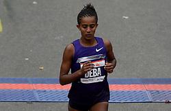 03-11-2013 ATLETIEK: NY MARATHON: NEW YORK <br /> Buzunesh Deba USA werd tweede op de NY marathon in 02:25:56.<br /> ©2013-FotoHoogendoorn.nl
