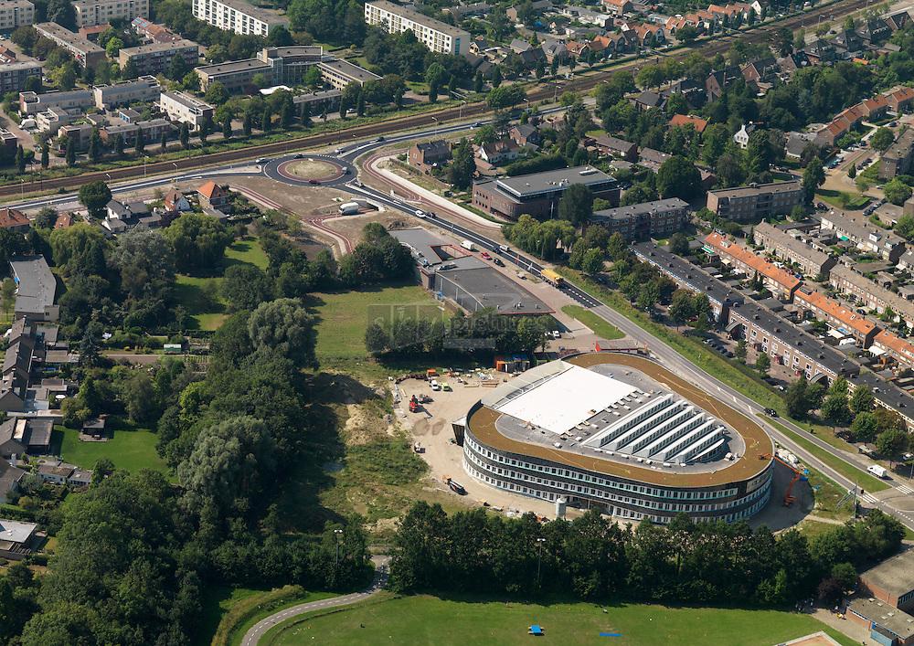 Nieuwe rotonde in van e Spiegelstraat en Oranjeweg met fietstunnel om nieuwe locatie van de pontes scholengroep voor fietsers goede bereikbaar te maken