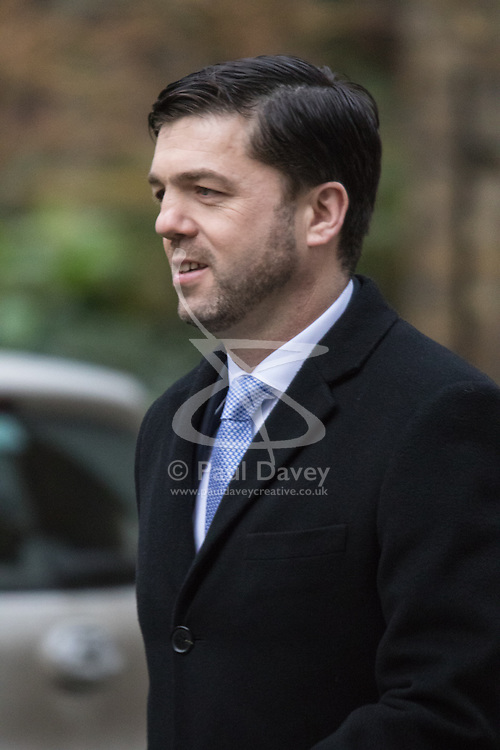 Downing Street, London, February 9th 2016.  Welsh Secretary Stephen Crabb arrives in Downing Street for the weekly cabinet meeting. ///FOR LICENCING CONTACT: paul@pauldaveycreative.co.uk TEL:+44 (0) 7966 016 296 or +44 (0) 20 8969 6875. ©2015 Paul R Davey. All rights reserved.