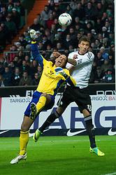 10.12.2011, Weser Stadion, Bremen, GER, 1.FBL, Werder Bremen vs VFL Wolfsburg, im BildTim Wiese (Bremen #1) im Luftkampf mit Mario Mandzukic (Wolfsburg #18). // during the Match GER, 1.FBL, Werder Bremen vs VFL Wolfsburg, Weser Stadion, Bremen, Germany, on 2011/12/10.EXPA Pictures © 2011, PhotoCredit: EXPA/ nph/ Kokenge..***** ATTENTION - OUT OF GER, CRO *****
