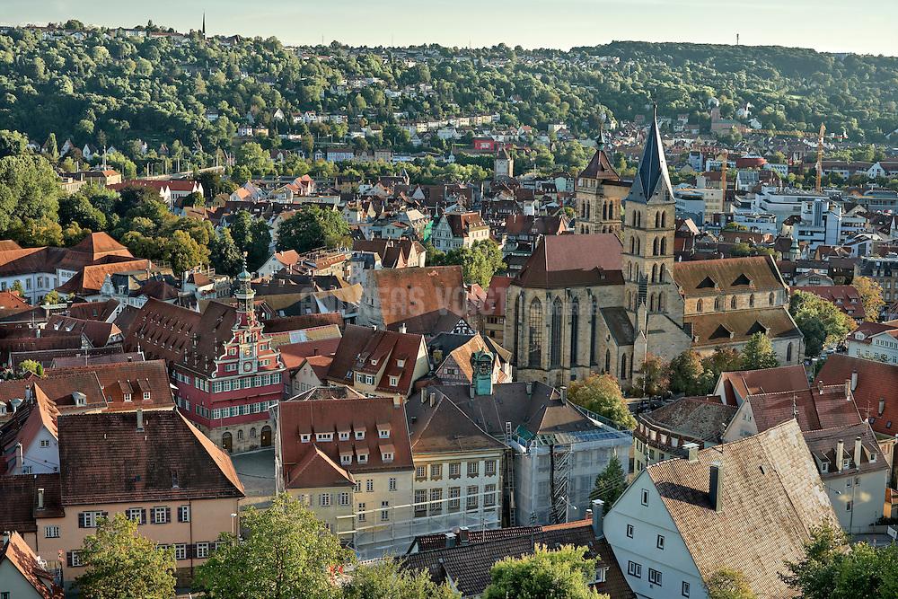 Türme, Wehrgänge und Kasematten lassen sich noch heute begehen. Ein grandioser Blick über Stadt und Neckartal belohnt die Mühe des Aufstiegs zur Burg.