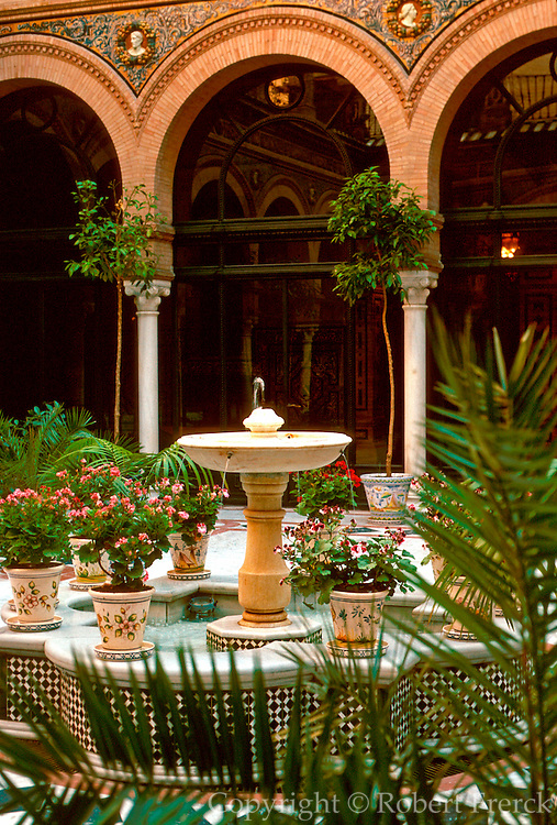 SPAIN, ANDALUSIA, SEVILLE the Alfonso XIII Hotel, the most prestigious hotel in southern Spain; view of the courtyard