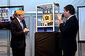 Koning Willem Alexander opent proefinstallatie Blue Energy