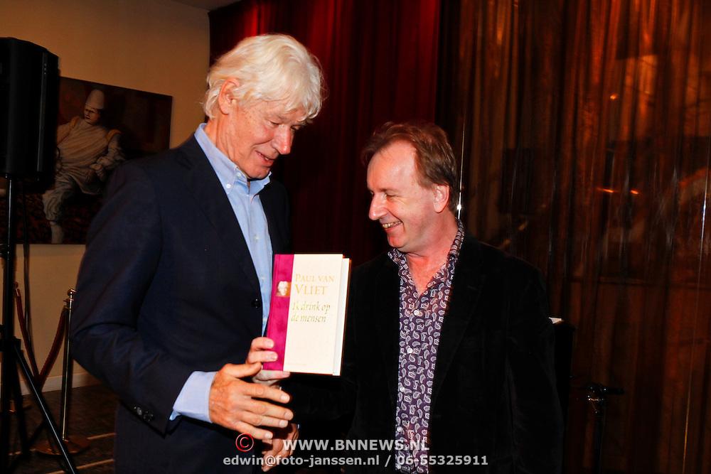 NLD/Amsterdam/20100910 - Paul van Vliet viert 75ste verjaardag met vrienden, Paul en Vic van der Reijt