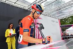 26.05.2019, Como, ITA, Giro d Italia 2019, 15. Etappe, Ivrea - Como (237 km), im Bild NIBALI Vincenzo(ITA)(BAHRAIN – MERIDA) // NIBALI Vincenzo(ITA)(BAHRAIN – MERIDA) during stage 15 of the 102nd Giro d'Italia cycling race from Ivrea to Como (237 km) Como, Italy on 2019/05/26. EXPA Pictures © 2019, PhotoCredit: EXPA/ laPresse/ Gian Mattia D'Alberto<br /> <br /> *****ATTENTION - for AUT, SUI, CRO, SLO only*****