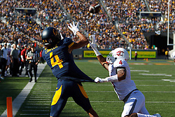 BERKELEY, CA - OCTOBER 03:  Wide receiver Kenny Lawler #4 of the California Golden Bears catches a pass for a touchdown over cornerback Charleston White #4 of the Washington State Cougars during the third quarter at California Memorial Stadium on October 3, 2015 in Berkeley, California. The California Golden Bears defeated the Washington State Cougars 34-28. (Photo by Jason O. Watson/Getty Images) *** Local Caption *** Kenny Lawler; Charleston White