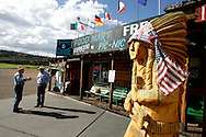 US-SPRINGDALE: A foodmart, gift shop an Trading Post. PHOTO GERRIT DE HEUS