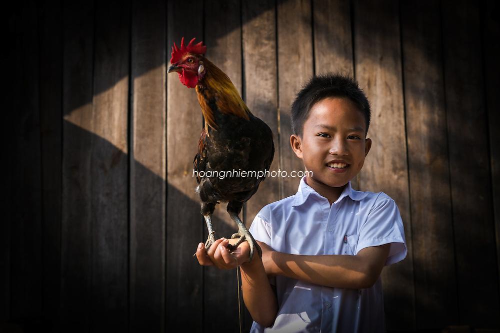 Vietnam Images-children-Trẻ Em hoàng thế nhiệm