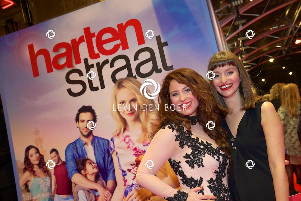 AMSTERDAM - In het Tuschinski theater is de nieuwe Nederlandse film 'Harten Straat' in premiere gegaan. Met op de rode loper Sanne Vogel en Judith Goudsmit. FOTO LEVIN DEN BOER - PERSFOTO.NU