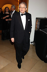 Artist DAVID HOCKNEY at a fundraising gala to celebrate 150 years of The National Portrait Gallery, at the NPG, St.Martin's Place, London on 28th February 2006.<br /><br />NON EXCLUSIVE - WORLD RIGHTS