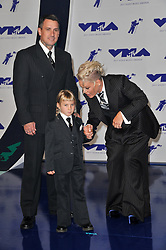 (L-R) Carey Hart, Pink, and Willow Sage Hart at the 2017 MTV Video Music Awards held at The Forum on August 27, 2017 in Inglewood, CA, USA (Photo by Sthanlee B. Mirador/Sipa USA)