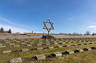 The National Cemetery Theresienstadt contains the graves of about 10.000 victims (of whom 2386 in individual graves) of the Theresienstadt concentration camp/ghetto.