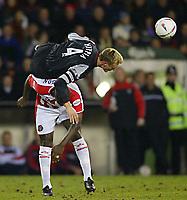 Fotball - Worthington Cup - Semifinale - 08.01.2003<br /> Sheffield United v Liverpool<br /> Wayne Allison - United<br /> Sami Hypia - Liverpool<br /> Foto: Aidan Ellis, Digitalsport