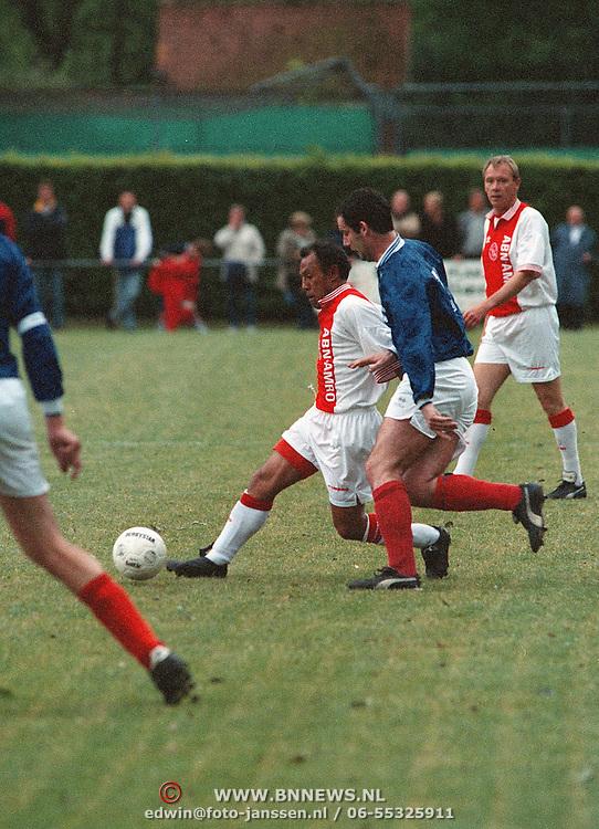 BFC - Ajax oud spelers, Simon Tahamata voetballend