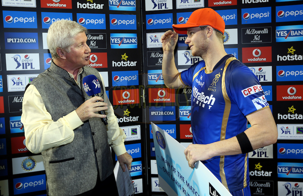 Rajasthan Royals Captain Steven Smith receives orange cap during the presentation of the match 9 of the Pepsi IPL 2015 (Indian Premier League) between The Rajasthan Royals and The Mumbai Indians held at the Sardar Patel Stadium in Ahmedabad , India on the 14th April 2015.<br /> <br /> Photo by:  Sandeep Shetty / SPORTZPICS / IPL