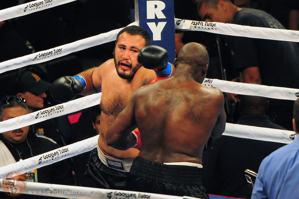 September 8, 2012; Oakland, CA, USA; Franklin Lawrence (red gloves) fights Homero Fonseca (blue gloves) during the heavyweight bout at ORACLE Arena.