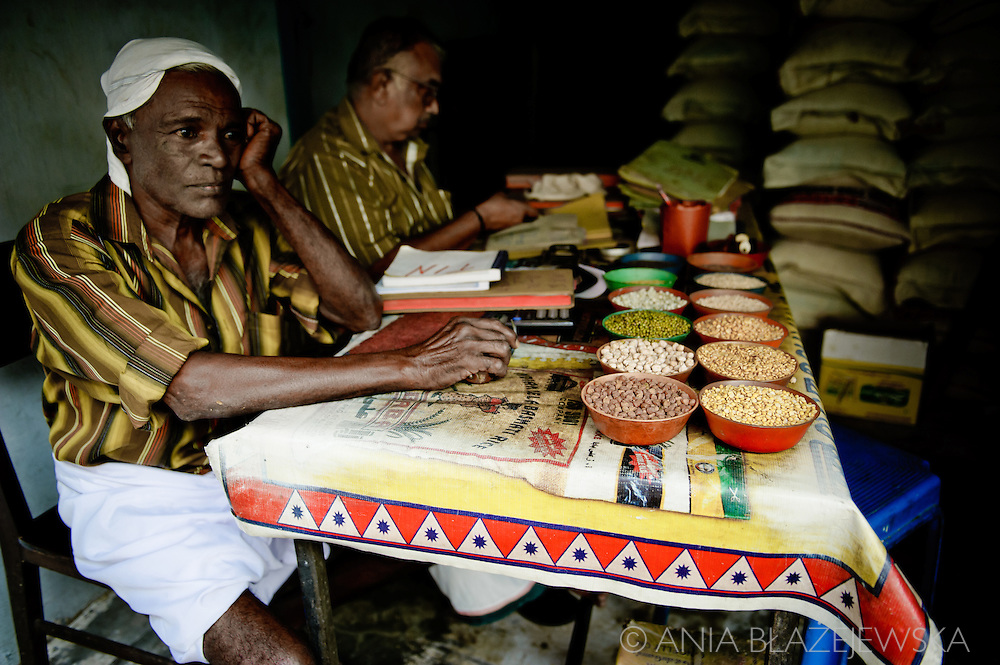 India, Kochi. Traders of Bazaar Road.<br />