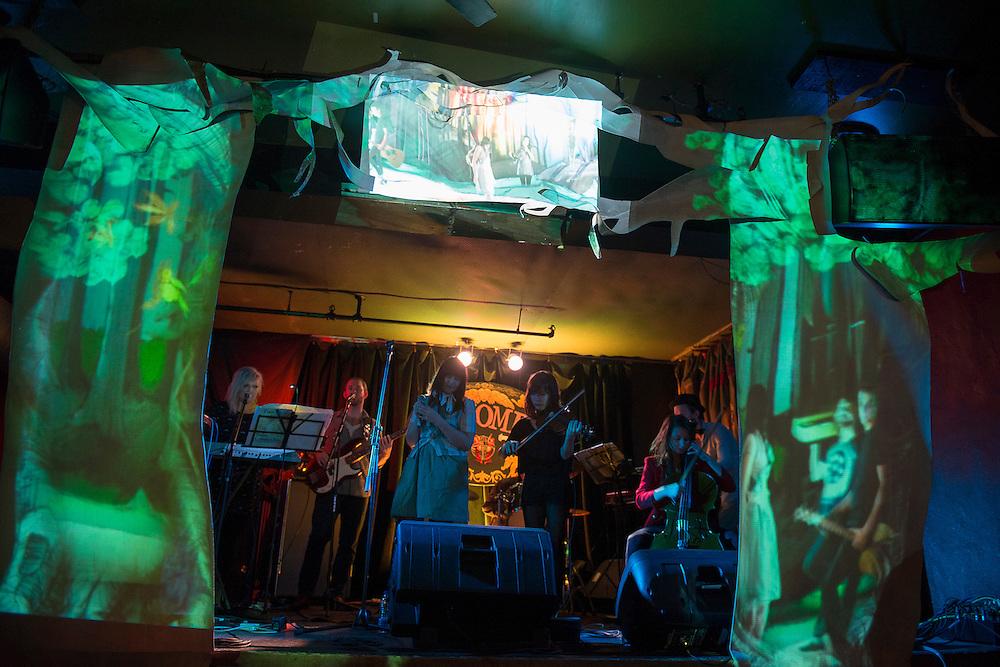 LES TURBULENCES: TEEN SLEUTH au Divan Orange le Samedi 20 octobre 2012