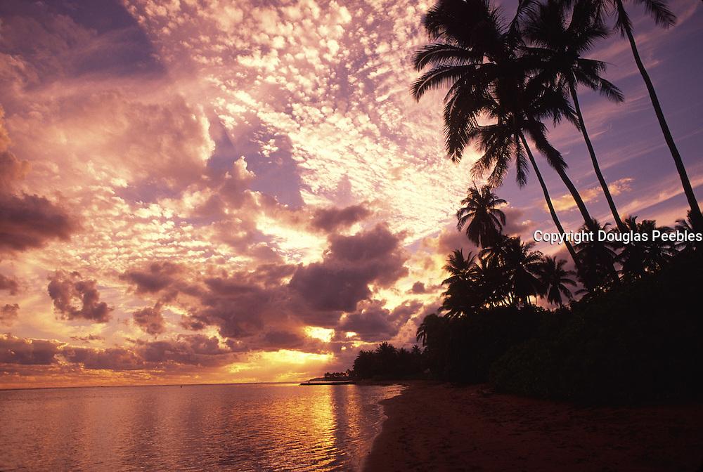 Sunset, Aina haina Beach, Honolulu, Oahu, Hawaii<br />