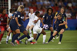 June 28, 2019 - Paris, France - Marion Torrent (Montpellier HSC) of France and Crystal Dunn (NC Courage) of United States battle for the ball during the 2019 FIFA Women's World Cup France Quarter Final match between France and USA at Parc des Princes on June 28, 2019 in Paris, France. (Credit Image: © Jose Breton/NurPhoto via ZUMA Press)