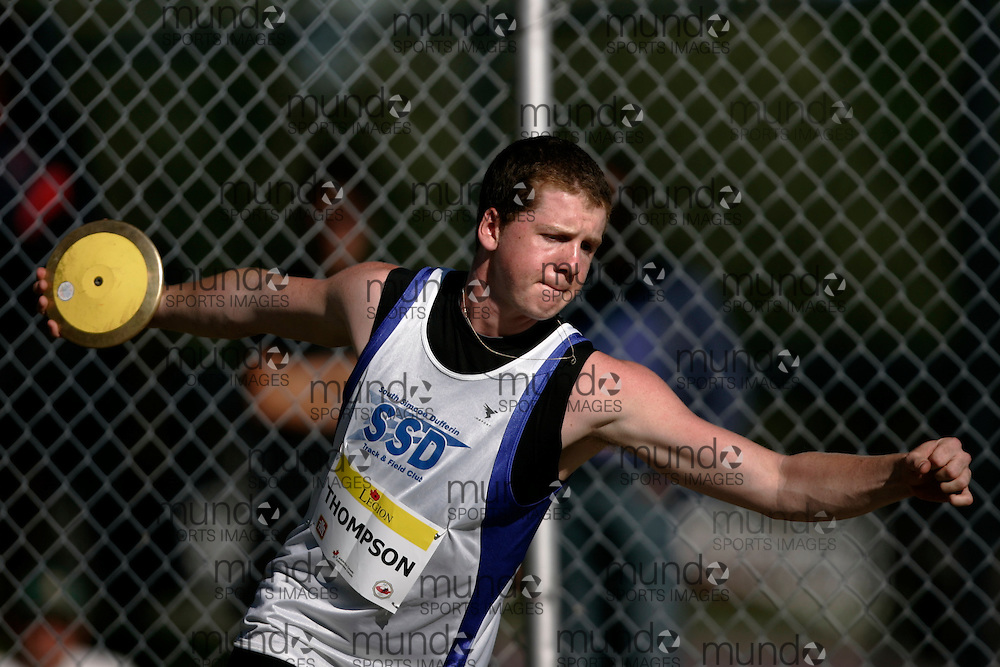Ottawa, Ontario ---10-08-06--- Thompson competes in the discus at the 2010 Royal Canadian Legion Youth Track and Field Championships in Ottawa, Ontario August 6, 2010..GEOFF ROBINS/Mundo Sport Images.
