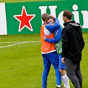 AUS/Seefeld/20100529 - Training NL Elftal WK 2010, Edson Braafheid knuffelt Stijn Schaar na een harde botsing