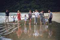 family photo shoot at pauanui on the coromandel peninsula photography by felicity jean photography coromandel photographer
