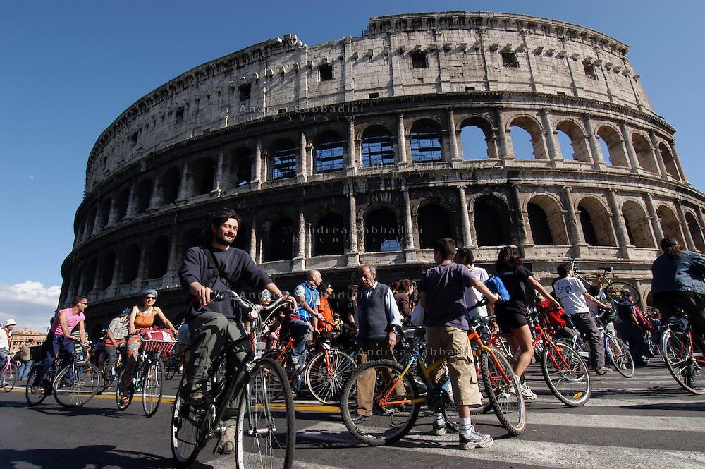 Roma, 29/05/2004: Critical Mass