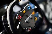 Change racing steering wheel.