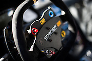 Change racing steering wheel.