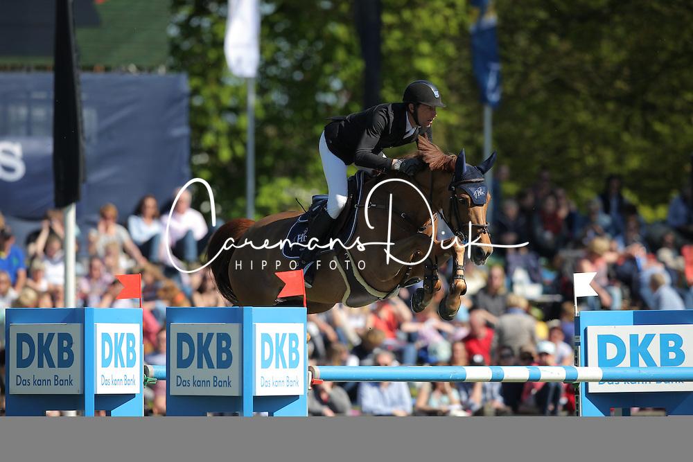 Staut Kevin, (FRA), Ayade de Septon et HDC<br /> Mercedes-Benz Championat of Hamburg<br /> Hamburg - Hamburger Derby 2016<br /> &copy; Hippo Foto - Stefan Lafrentz