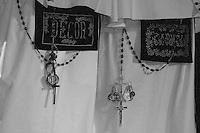 I riti della Settimana Santa a Taranto, perdoni della confraternita del Carmine.