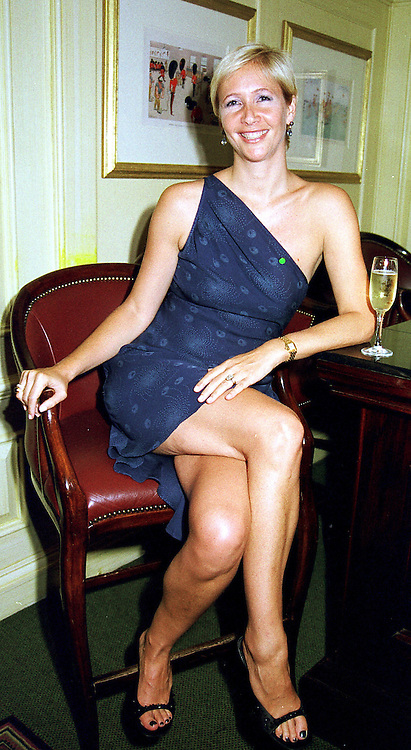 TV presenter TANIA BRYER  at a party in London <br /> on 11th May 2000.ODT 27