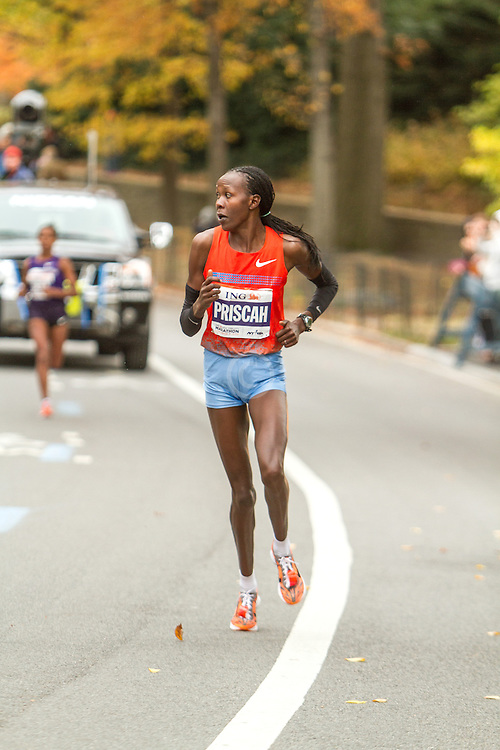 ING New York CIty Marathon: Priscah Jeptoo breaks from Buzunesh Deba near mile 25 en route to victory