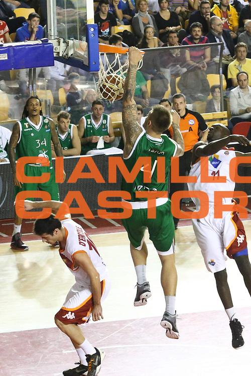 DESCRIZIONE : Roma Lega A 2012-13 Acea Roma Montepaschi Siena <br /> GIOCATORE : Mario Kasun<br /> CATEGORIA : sequenza schiacciata<br /> SQUADRA : Montepaschi Siena <br /> EVENTO : Campionato Lega A 2012-2013 <br /> GARA : Acea Roma Montepaschi Siena <br /> DATA : 12/11/2012<br /> SPORT : Pallacanestro <br /> AUTORE : Agenzia Ciamillo-Castoria/M.Simoni<br /> Galleria : Lega Basket A 2012-2013  <br /> Fotonotizia :  Roma Lega A 2012-13 Acea Roma Montepaschi Siena <br /> Predefinita :