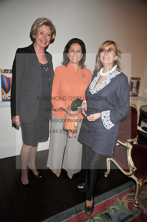 Left to right,  The Groucho Club managing director MARGARET LEVIN, STEFA HART and NINA CAMPBELL at a party to celebrate the publication of Gosling - Classic Design for Contemporary Interiors by Tim Gosling held at William Kent House, The Ritz Hotel, London on 1st October 2009.