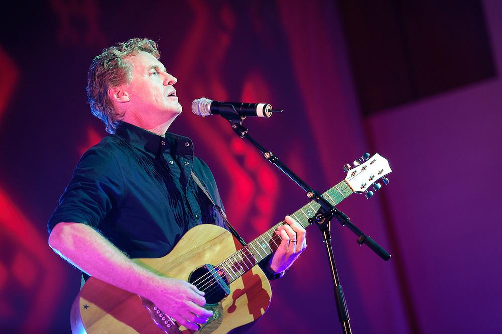 Don McGlashan performs at the Raukatauri Music Therapy Centre's Matariki Gourmet Hangi fundraiser. Turangawaewae Marae in Ngaruawahia. 27 June 2010.