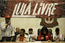"April 17, 2018 - SãO Paulo, Brazil - SÃO PAULO, SP - 17.04.2018: ATO PRÃ"" LULA NA ALESP - Former President Lula's dom acm act on Tay brought protesters, congressmen, trade une unionists and representatives of social movements to the Juscelino Kubitschek Plenary in ALESP. (Credit Image: © Bruno Rocha/Fotoarena via ZUMA Press)"