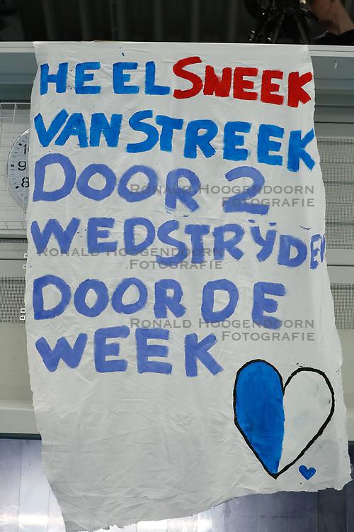 20190424 NED: Sliedrecht Sport - VC Sneek: Sliedrecht<br /> Spandoek supporters Sliedrecht Sport<br /> ©2019-FotoHoogendoorn.nl / Pim Waslander