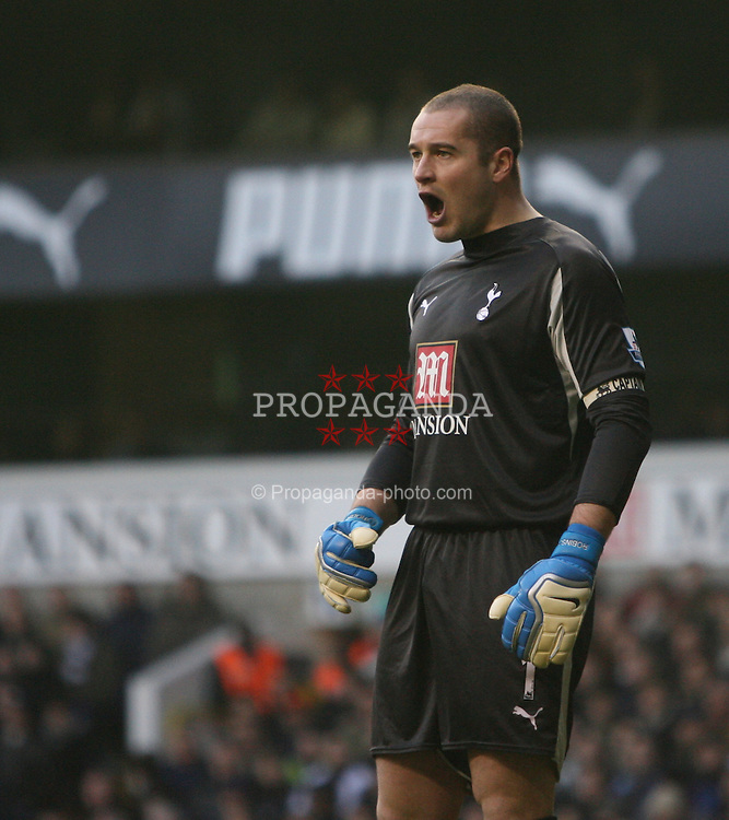 London, England - Sunday, February 4, 2007: Tottenham Hotspur's goalkeeper Paul Robinson against Manchester United during the Premiership match at White Hart Lane. (Pic by Chris Ratcliffe/Propaganda)
