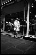Twiggy, London Fashion Model, arrives at Arnott's for their Fashion Show..12.10.1966