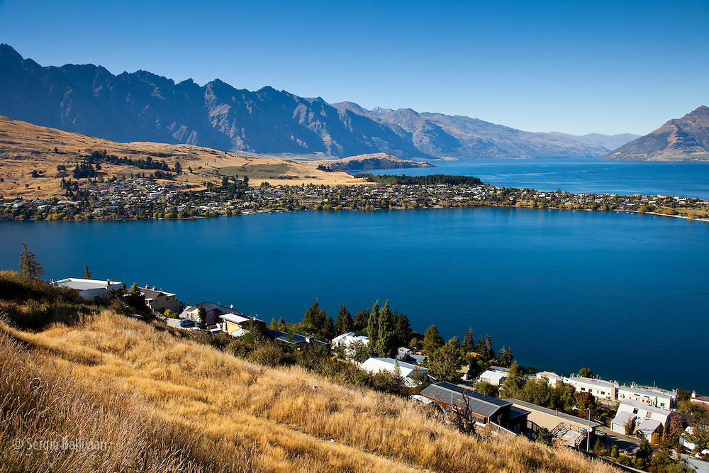 A panoramic view of Queenstown on Lake Wakatipu on New Zealand's South Island.
