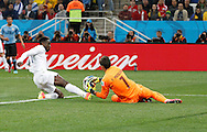 Fernando Muslera of Uruguay and Daniel Wellbeck of England during the 2014 FIFA World Cup match at Arena Corinthians, Sao Paulo<br /> Picture by Andrew Tobin/Focus Images Ltd +44 7710 761829<br /> 19/06/2014