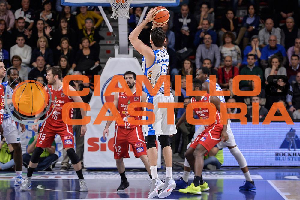 DESCRIZIONE : Sassari LegaBasket Serie A 2015-2016 Dinamo Banco di Sardegna Sassari - Giorgio Tesi Group Pistoia<br /> GIOCATORE : Joe Alexander<br /> CATEGORIA : Tiro Tre Punti Three Point Controcampo<br /> SQUADRA : Dinamo Banco di Sardegna Sassari<br /> EVENTO : LegaBasket Serie A 2015-2016<br /> GARA : Dinamo Banco di Sardegna Sassari - Giorgio Tesi Group Pistoia<br /> DATA : 27/12/2015<br /> SPORT : Pallacanestro<br /> AUTORE : Agenzia Ciamillo-Castoria/L.Canu