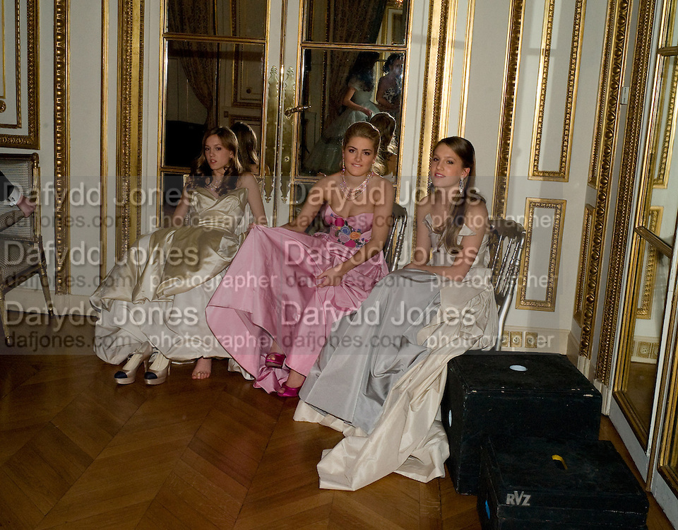 ANNA HESKETH; HON PHILLIPA CADOGAN; VIOLET HESKETH, The 2008 Crillon Debutante Ball. Getting Ready the Day before. Crillon Hotel. Paris. 29 November 2008. *** Local Caption *** -DO NOT ARCHIVE-© Copyright Photograph by Dafydd Jones. 248 Clapham Rd. London SW9 0PZ. Tel 0207 820 0771. www.dafjones.com.