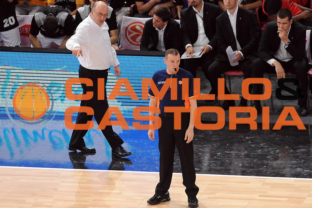 DESCRIZIONE : Parigi Paris Eurolega Eurolegue 2009-10 Final Four Semifinale Semifinal Partizan Belgrado Olympiacos Pireo Atene<br /> GIOCATORE :  Fabio Facchini Arbitro Referee<br /> SQUADRA : <br /> EVENTO : Eurolega 2009-2010 <br /> GARA : Partizan Belgrado Olympiacos Pireo Atene<br /> DATA : 07/05/2010 <br /> CATEGORIA : arbitro<br /> SPORT : Pallacanestro <br /> AUTORE : Agenzia Ciamillo-Castoria/GiulioCiamillo<br /> Galleria : Eurolega 2009-2010 <br /> Fotonotizia : Parigi Paris Eurolega Euroleague 2009-2010 Final Four Semifinale Semifinal Partizan Belgrado Olympiacos Pireo Atene<br /> Predefinita :