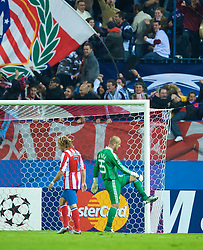 MADRID, SPAIN - Wednesday, October 22, 2008: Liverpool's goalkeeper Pepe Reina looks dejected after Club Atletico de Madrid score the equaliser to make it 1-1 during the UEFA Champions League Group D match at the Vicente Calderon. (Photo by David Rawcliffe/Propaganda)
