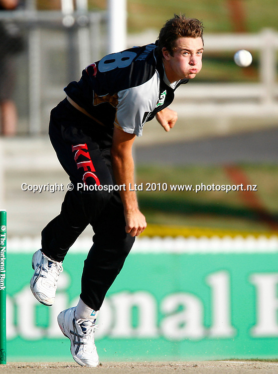 Blackcaps bowler Tim Southee. KFC Twenty20, New Zealand Blackcaps v Bangladesh, Seddon Park, Hamilton. Wednesday 3rd February 2010. Photo: Simon Watts/PHOTOSPORT