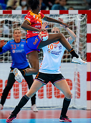 15-12-2019 JAP: Final Netherlands - Spain, Kumamoto<br /> The Netherlands beat Spain in the final and take historic gold in Park Dome at 24th IHF Women's Handball World Championship / Danick Snelder #10 of Netherlands, Alexandrina Cabral Barbosa #86 of Spain